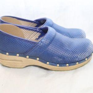 Dansko Womens US 9.5 Eur 40 Blue Leather Clogs